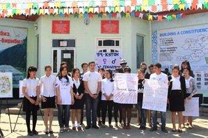 Кыргызских школьников обучают отвергать терроризм