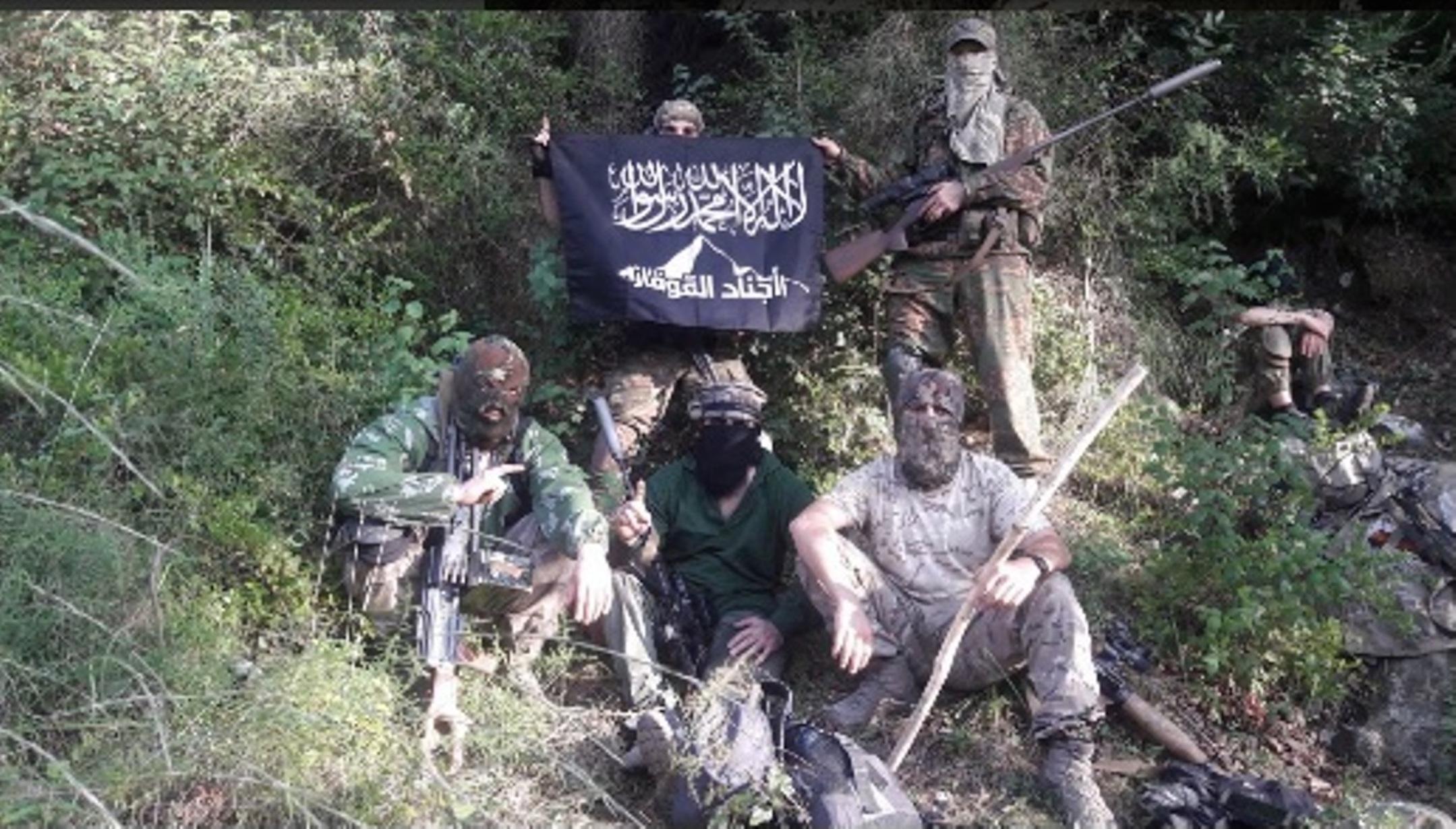 Таджикские эксперты озабочены вербовкой в Сирию с помощью Интернета