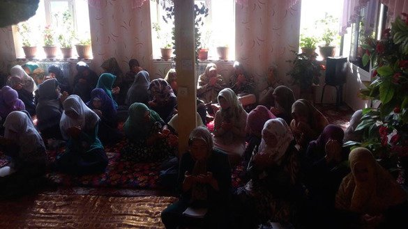 Imam Tirmizi conducts Koran study sessions in a women's madrassa in the village of Bazar-Korgon, Jalal-Abad Province, September 16. [Sanzhar Sharipov]