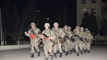 Казахстанская армия проводит антитеррористические учения
