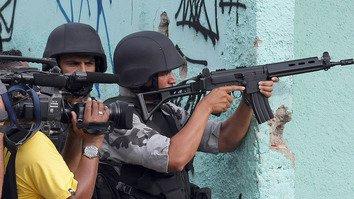 Таджики используют «конвергентную журналистику» для освещения борьбы с экстремизмом