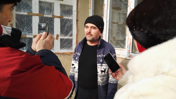 Hamza Turabekov relates the story of his radicalised family January 10 in Mehnatabad, Sughd Province. [Negmatullo Mirsaidov]