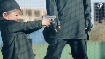 ISIL turns children into executioners in latest video