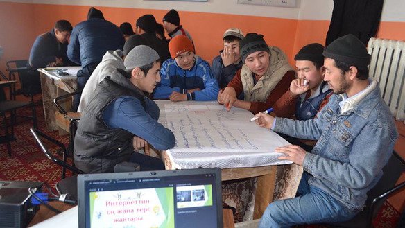 Young Kyrgyz on March 24 in Jalal-Abad attend a class on the damage wrought by online extremist recruitment. [Erkin Kamalov]