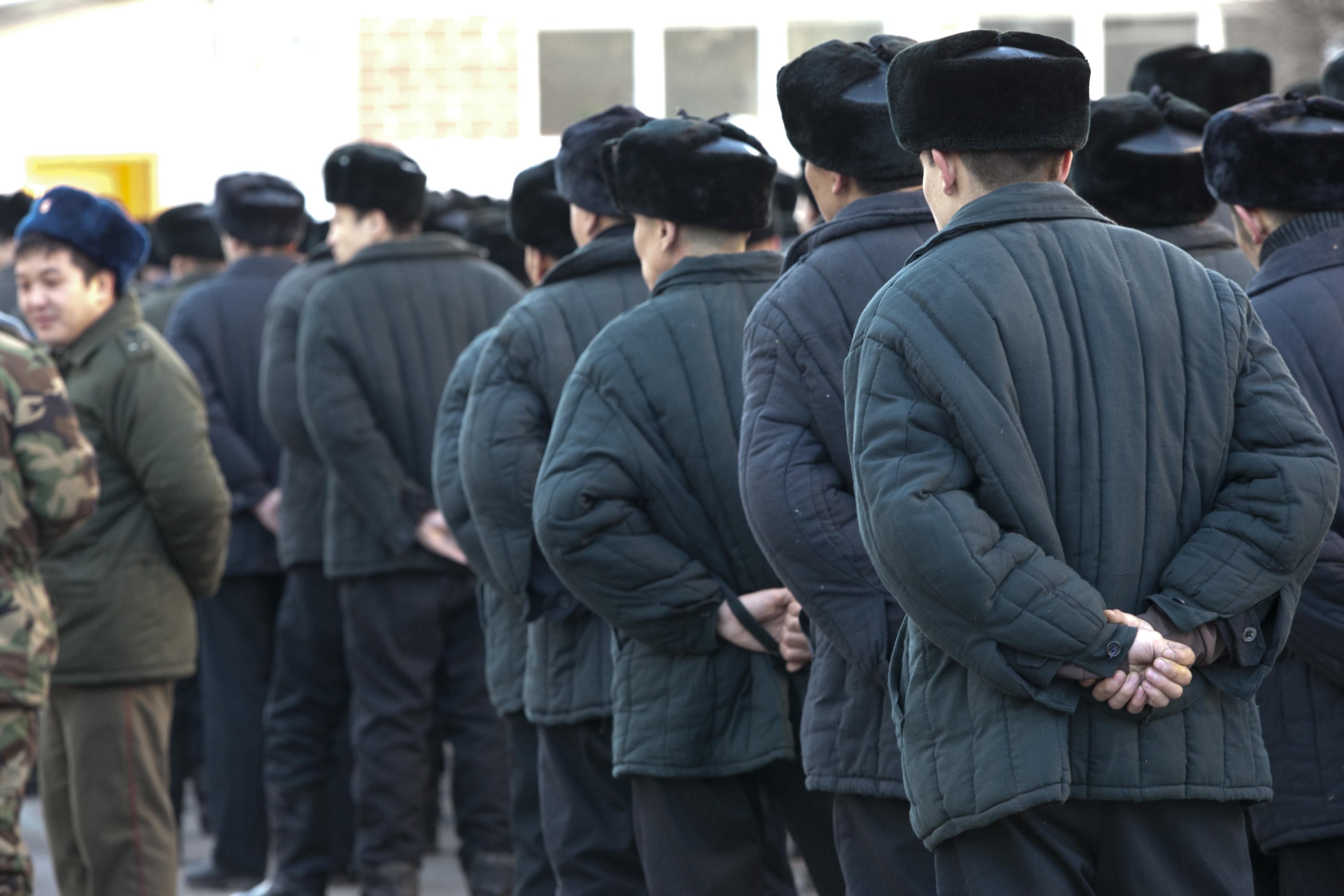 Кыргызстан обращается за международной помощью для предотвращения экстремизма в тюрьмах