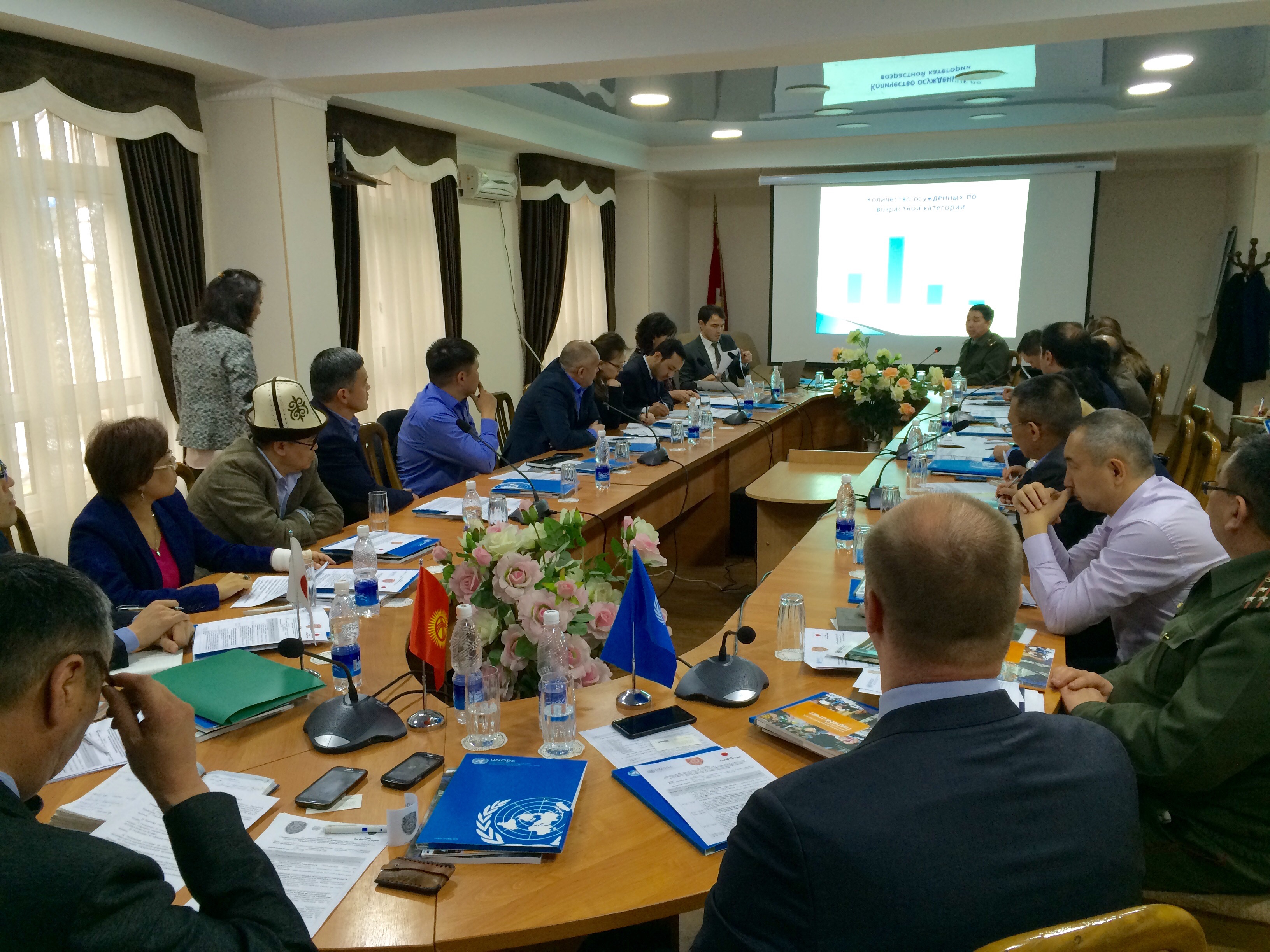 Представители ООН и Японии 11 апреля в Бишкеке участвуют в работе круглого стола по улучшению работы уголовно-исполнительной системы Кыргызстана с осужденными экстремистами и террористами. [Аскер Султанов]