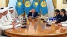 President Nursultan Nazarbayev and DUMK officials April 19 in Astana discuss religious education of imams and of youth. [Nazarbayev press office]