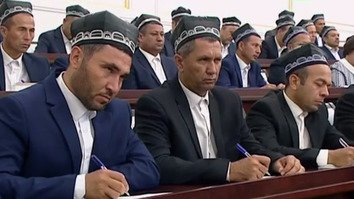 Uzbekistan denounces terrorism, seeks to rehabilitate ex-radicals