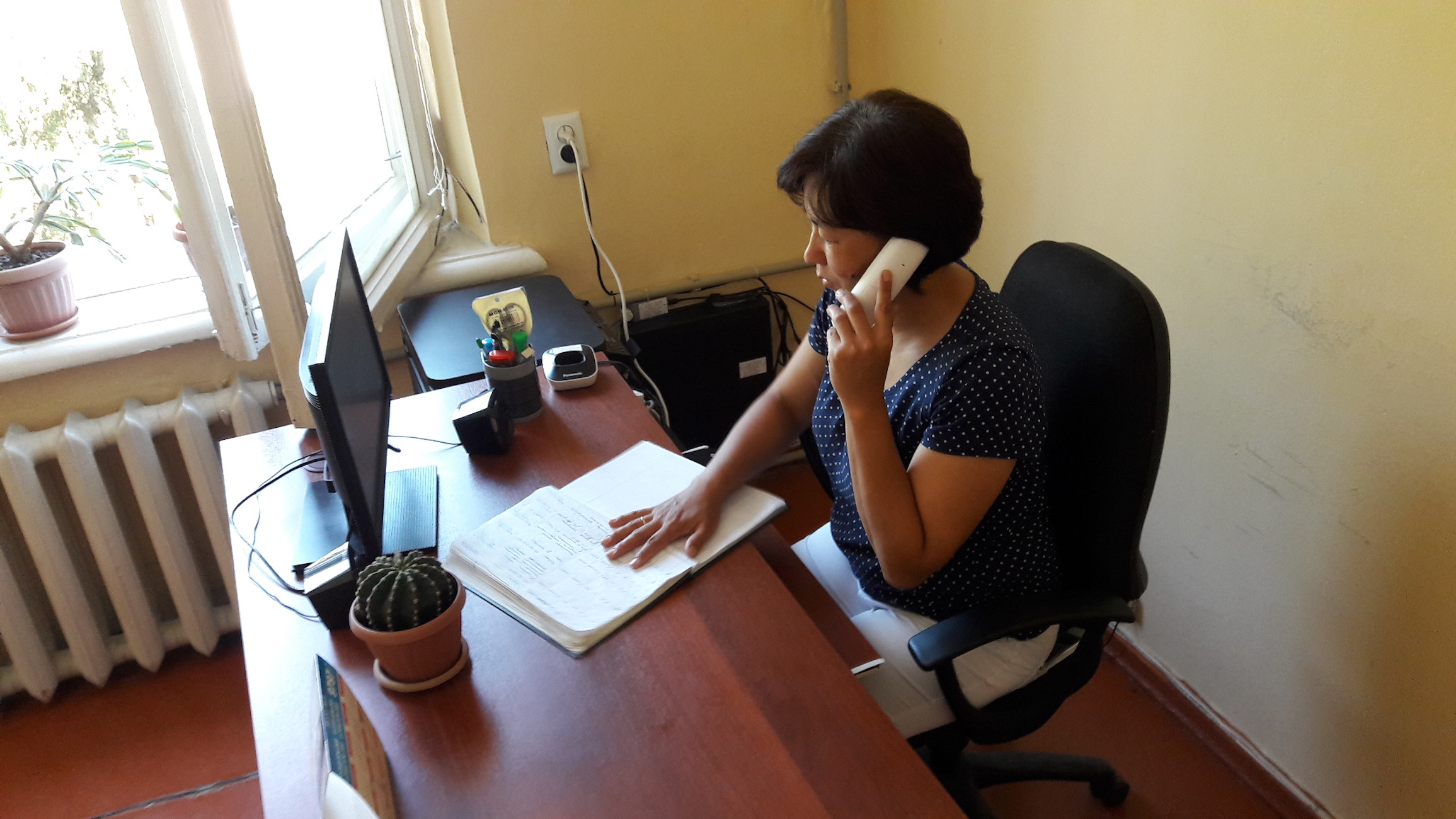 Kyrgyz anti-extremism hotline provides advice, anonymity