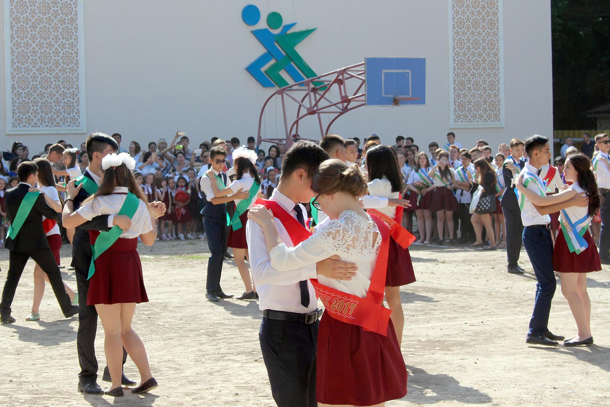 Education reforms in Uzbekistan to keep schoolchildren together longer