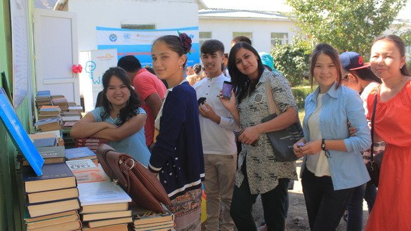 Girls participate in a Jashstan youth project in Osh Province in the summer of 2017. [Asker Sultanov]