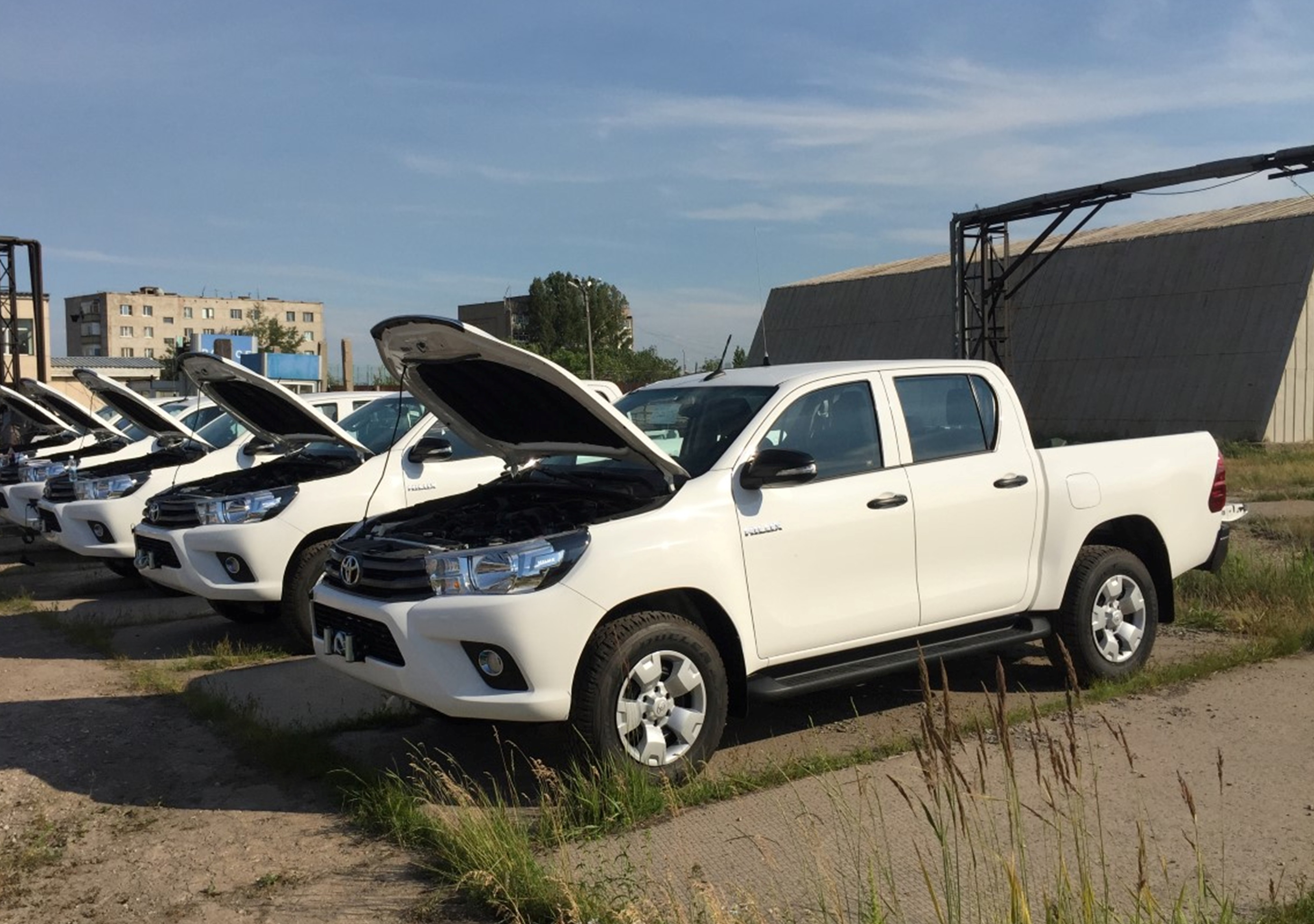 The US Embassy June 27 in Astana handed over six Toyota pickup trucks to local police. [US Embassy in Kazakhstan]