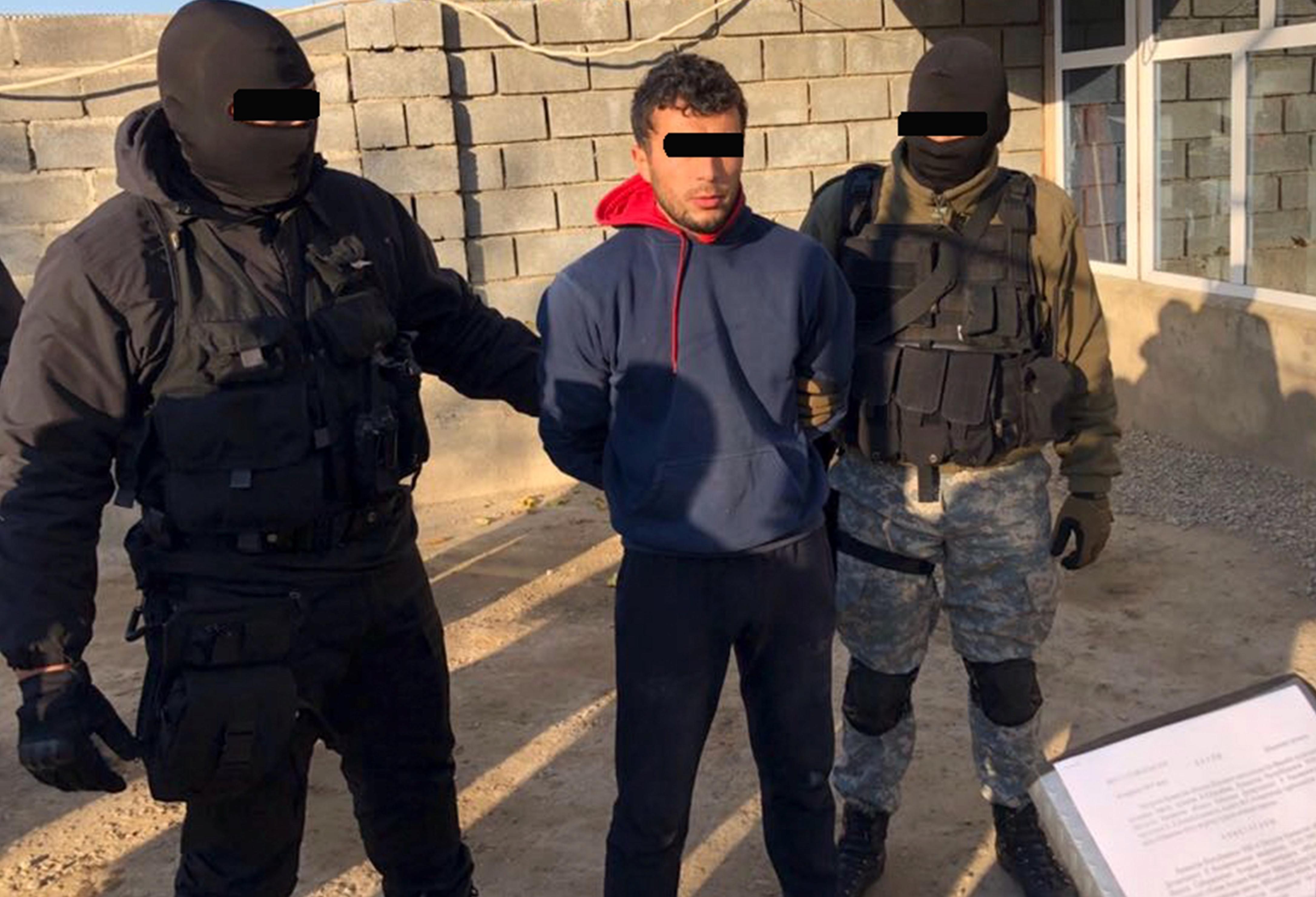 Один из задержанных спецназом КНБ экстремистов, Южно-Казахстанская область, 16 ноября. [Фото пресс-службы Комитета национальной безопасности Казахстана]