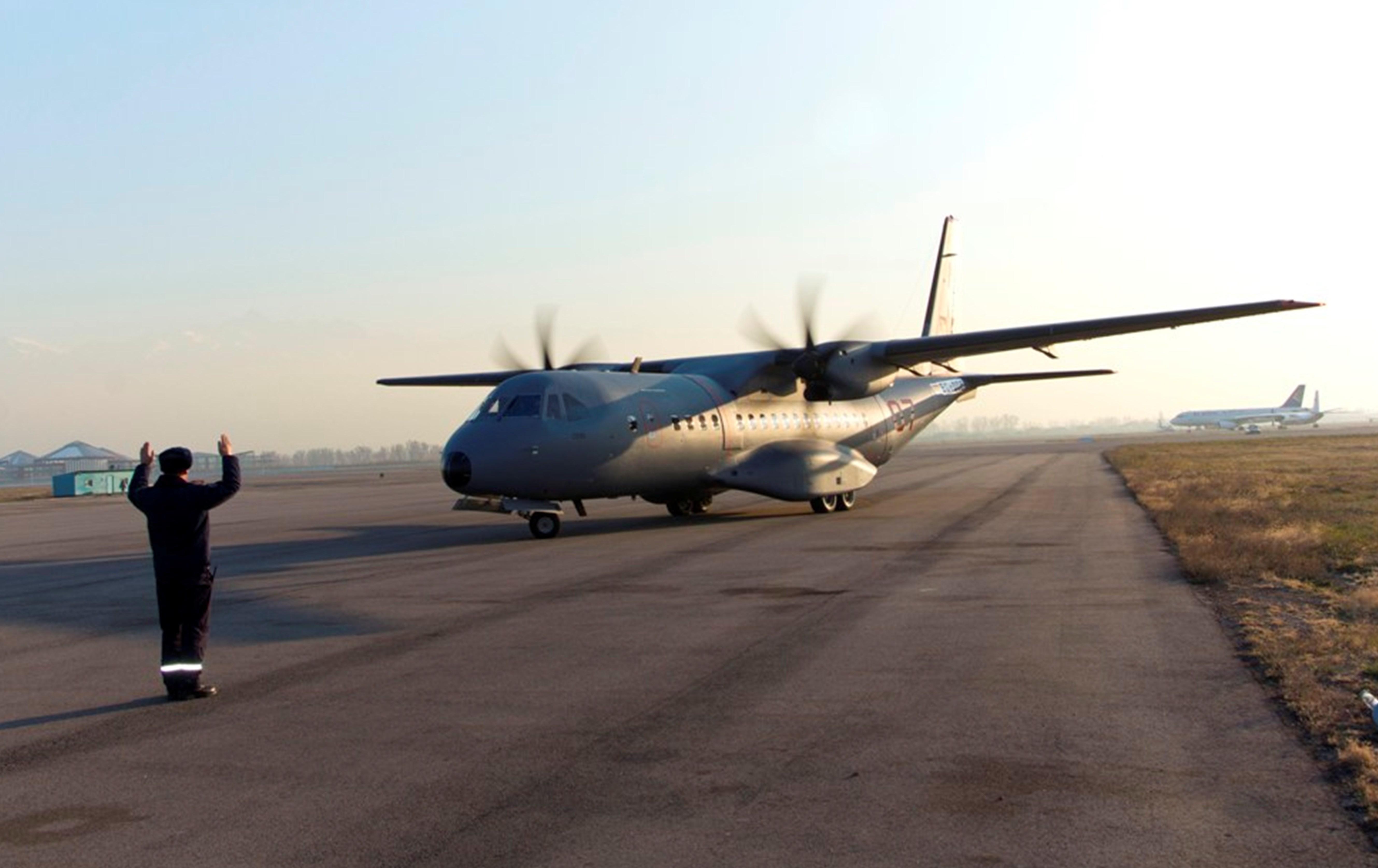 Транспортный самолет C-295 прибывает в Алматы 24 ноября. [Министерство обороны Казахстана]