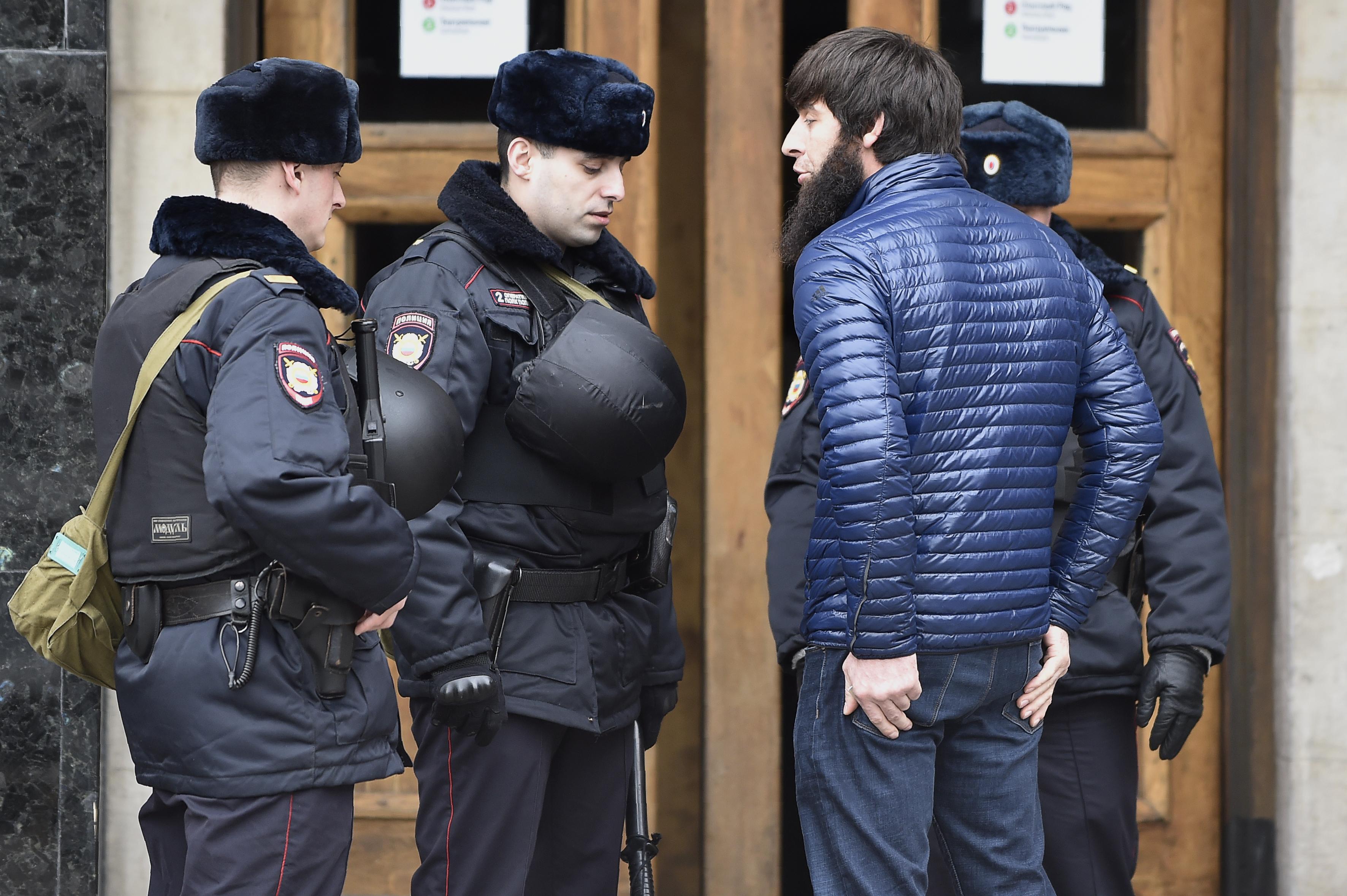 Future in Russia 'dim', say Central Asian migrants