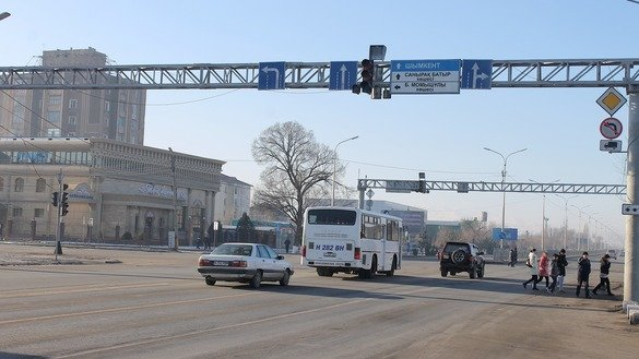 The Taraz-Shymkent-Tashkent highway is shown January 10. In a sign of closer ties, Kazakhstan and Uzbekistan plan to open more regular bus routes in 2018. [Alexander Bogatik]