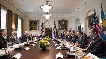 Визит Назарбаева в США открыл 'новую главу' в двусторонних отношениях