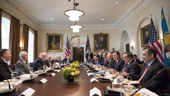 US President Donald J. Trump, Kazakhstani President Nursultan Nazarbayev, and a number of top officials from both countries during a working lunch at the White House on January 17. [Official White House Photo by Joyce N. Boghosian]