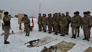 Qozog'istonlik askarlar Kaspiybo'yi chegaralari xavfsizligini ta'minlash bo'yicha mashg'ulotlar o'tkazmoqda