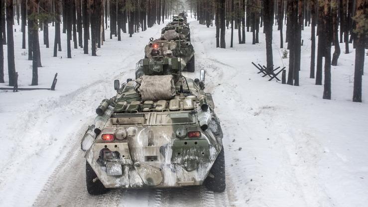 Бронетранспортеры БТР-80 были среди «военной помощи», которую Россия доставила в Таджикистан якобы для борьбы с терроризмом. [Министерство обороны России]