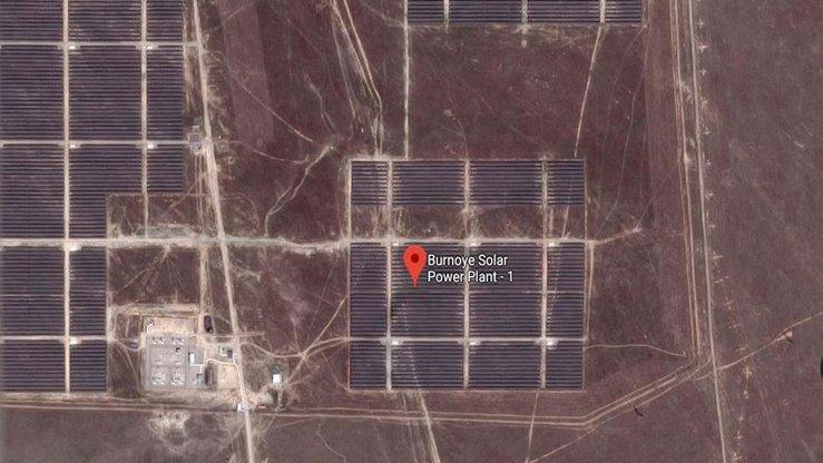 Солнечная электростанция «Бурное-1» показана на скриншоте спутникового снимка от 29 января. [Александр Богатик]