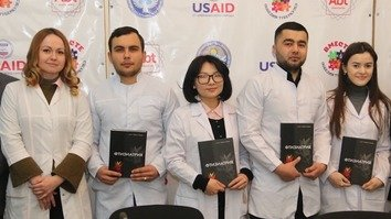 Students of the Kyrgyz State Medical Institute for Retraining and Advanced Studies in Bishkek received new textbooks on phthisiology February 8. It is the first such textbook to include information and analysis on fighting TB in Kyrgyzstan and Central Asia, specialists say. [Asker Sultanov]