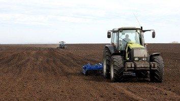 Kazakhstani farmers begin spring planting in southern provinces
