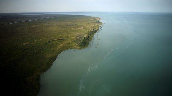 Озеро Балхаш. Казахстан, 14 июля 2016 г. Испытание российской ракетной системы на полигоне «Сары-Шаган» ограничивает курортный потенциал озера, предупреждают экологи. [Патрик Баз/АФП]