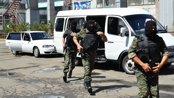National Security Service (SNB) personnel carry out an operation in Tashkent Province June 26, 2017. The agency, now renamed the State Security Service (SGB), is taking on more oversight to prevent abuses of power and to become more effective against modern threats. [Unus Latip]