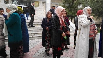 Tajik court sentences 7 members of one family for trying to join IS