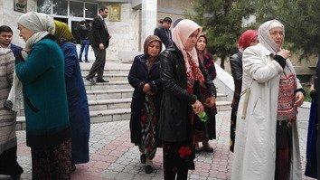 В Таджикистане семеро членов одной семьи приговорены к большим тюремным срокам за попытку присоединения к ИГ