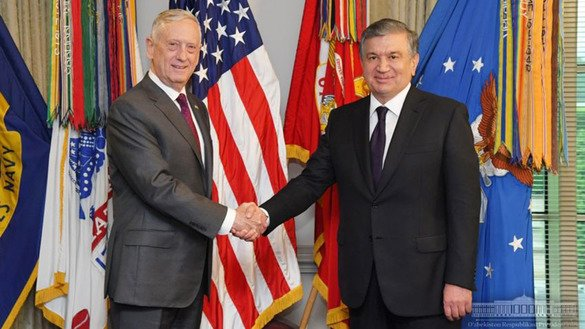 Uzbek President Shavkat Mirziyoyev meets with US Secretary of Defence James Mattis on May 17 at the Pentagon to discuss the implementation of the first five-year military co-operation plan between the two countries. [Uzbek presidential press office]