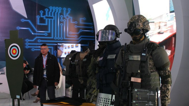 Kazakh-made gear for security and counter-terrorism personnel is shown at KADEX-2018 May 24 in Astana. [Aydar Ashimov]
