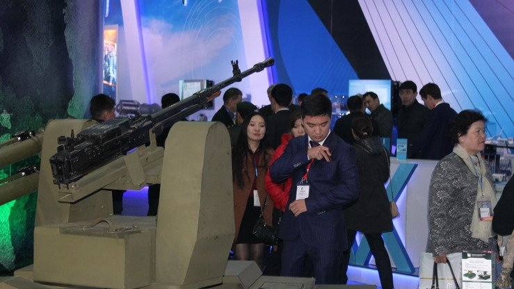 The Karakurt combat robot, built by Kazakhstan Engineering, is shown at the KADEX-2018 arms show in Astana May 24. More than 4,000 visitors attended the exhibition this year, according to organisers. [Aydar Ashimov]