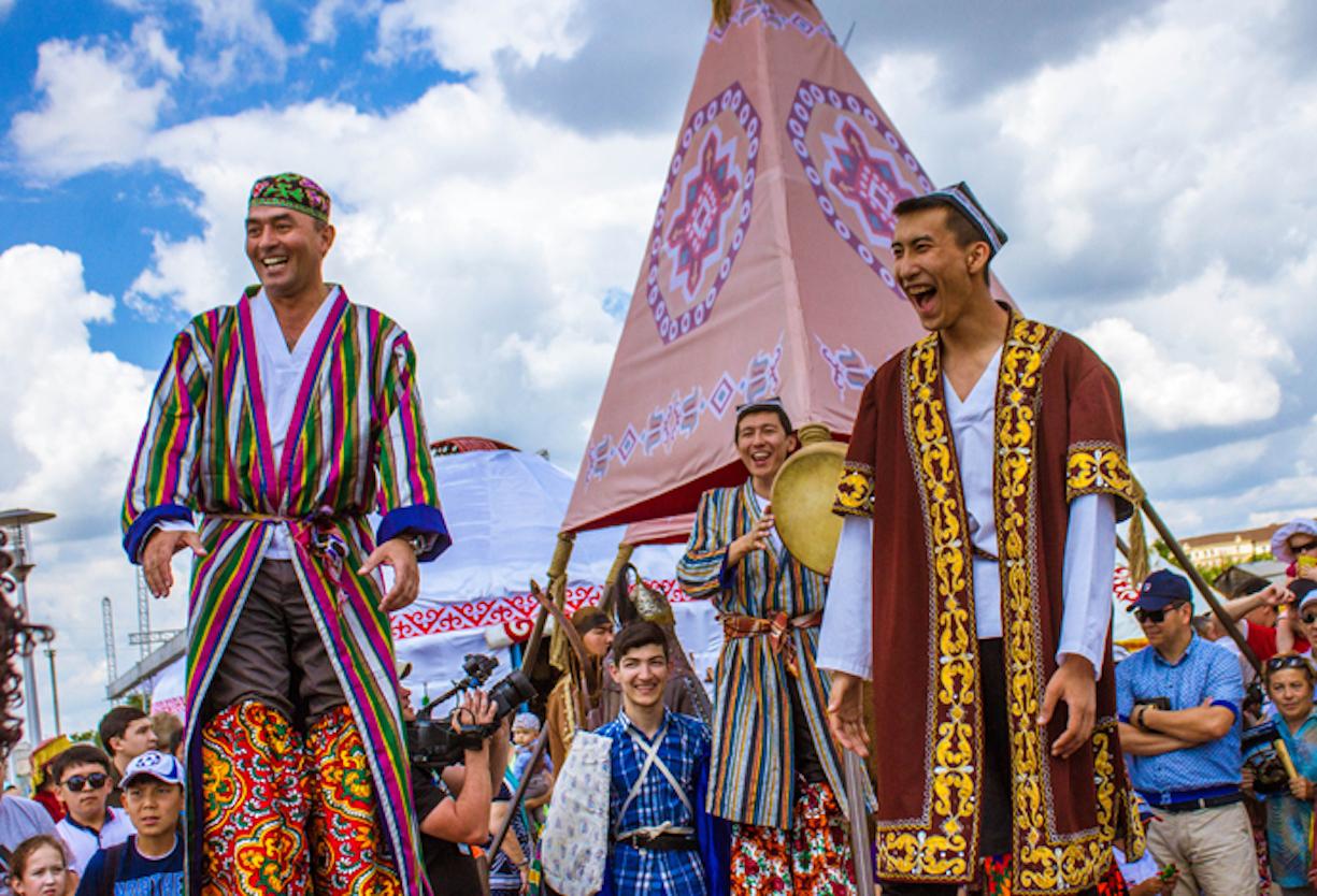 Жители Центральной Азии отказываются от русских фамилий: «У нас своя культура»