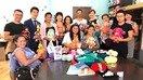 Игрушки ручной работы дают надежду молодым людям с ограниченными возможностями в Казахстане