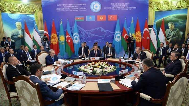 Leaders from the member states of the Turkic Council gathered in Cholpon-Ata September 3 for the Sixth Summit of the Co-operation Council of Turkic Speaking States. [Kyrgyz presidential website]