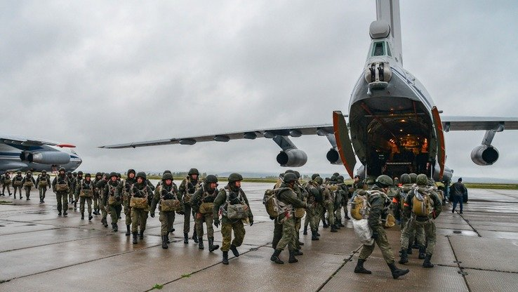Russian paratroopers prepare to take part in their country's largest ever military drills September 13. [Russian Ministry of Defence]