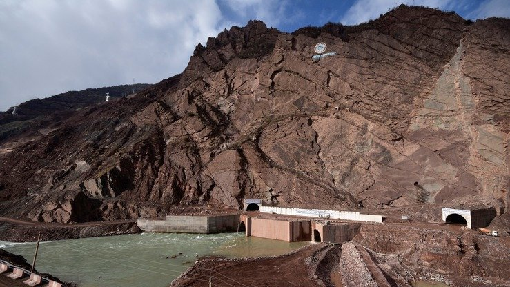 A picture taken November 14 shows a general view of Rogun Dam on the Vakhsh River in southern Tajikistan. The dam is expected to reach a height of 335 metres by 2028, becoming the world's tallest hydroelectric dam. [AFP]