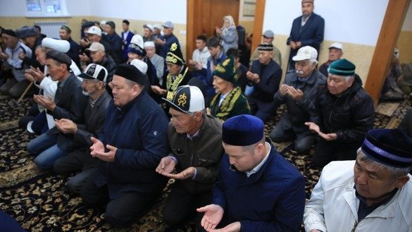 Residents of Serebryakovo village, West Kazakhstan Province, pray in the Aita Ata Mosque in September. [Spiritual Administration of Muslims in Kazakhstan]