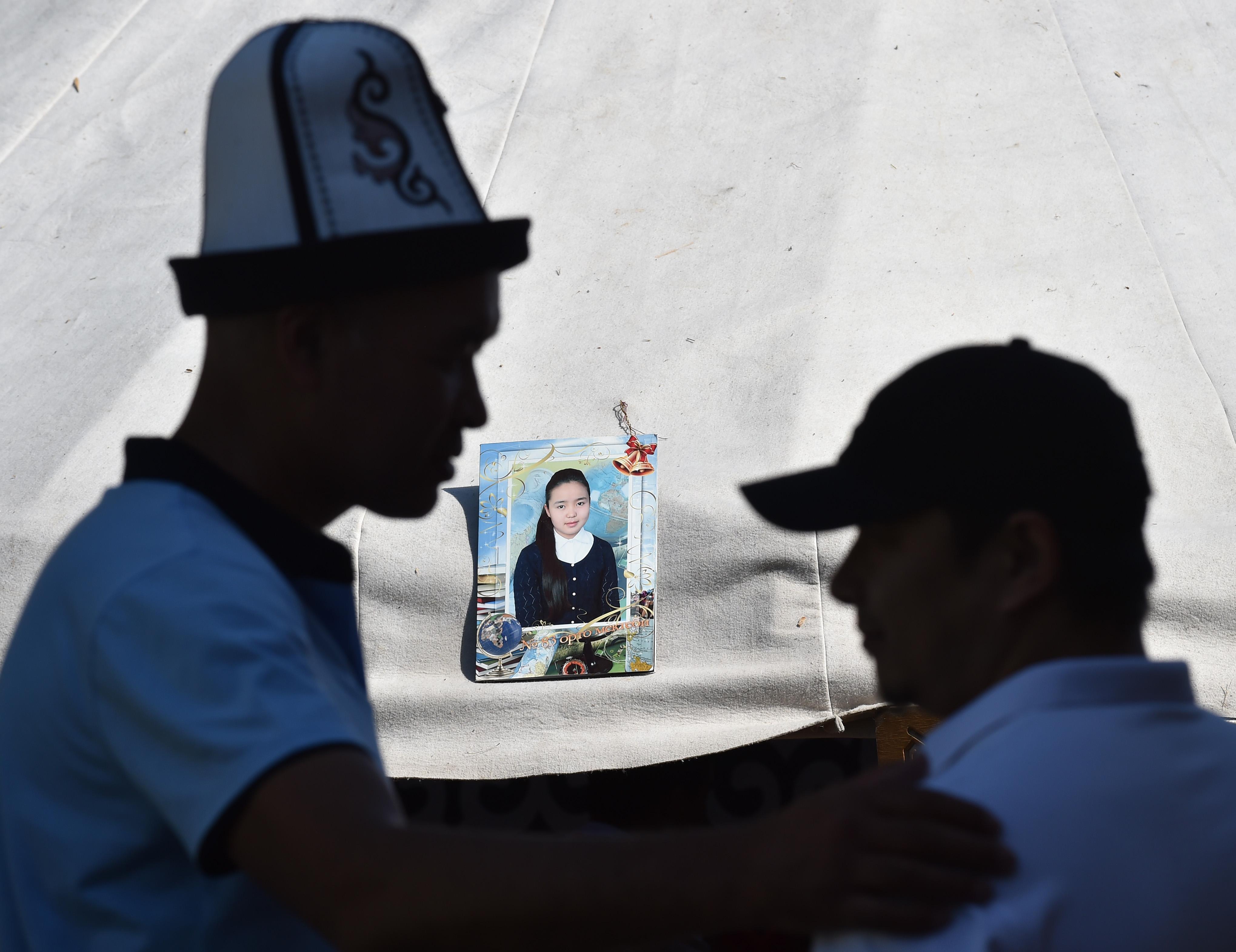 Кыргызстан взялся за искоренение обычая похищения невест