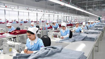 A textile plant in Namangan Province is shown in February. [Uzbek presidential press office]