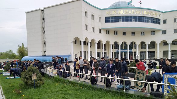 Students at the Nur-Mubarak Egyptian University of Islamic Culture prepare for Friday prayer on April 26 in Almaty. [Ksenia Bondal]