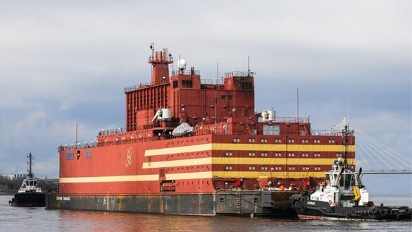 Ignoring warnings, Russia launches floating nuclear reactor in Arctic