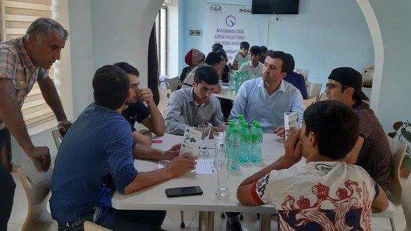 Проект по борьбе с радикализацией помогает таджикским активистам выявить граждан группы риска