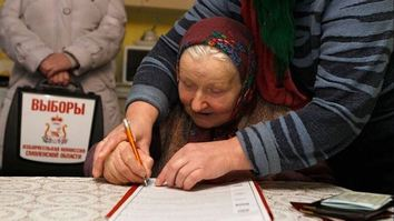 Central Asians back Moscow voters saying 'no' to ruling Kremlin party