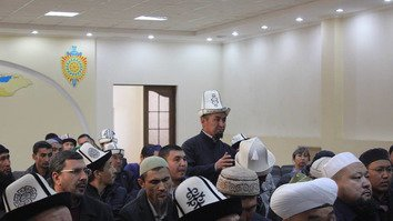 Large Kyrgyz family in Syria meets unknown fate