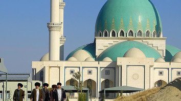 Turkmen government keeps sharp eye on extremists