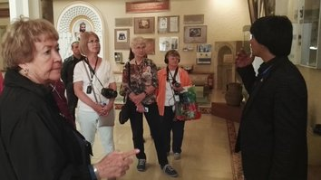 Tourists express amazement during visit to Central Asia's ancient cities