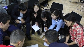 EU-backed project uses games, theatre to battle radicalisation in Kyrgyzstan